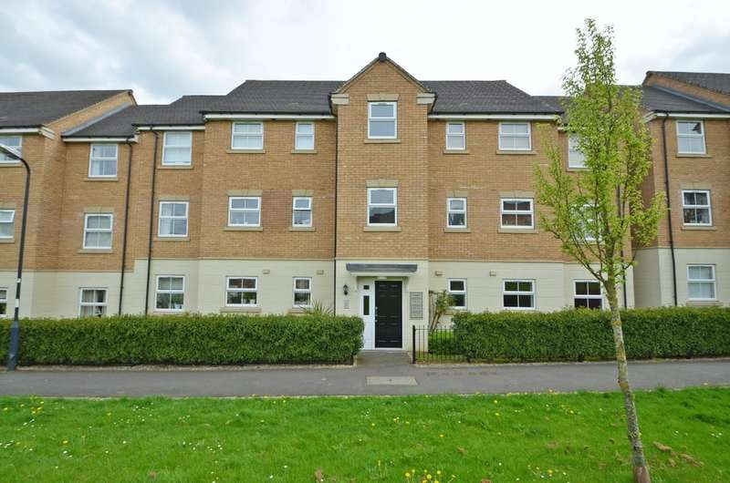 2 Bedrooms Ground Flat for sale in Flaxdown Gardens, Coton Park, Rugby