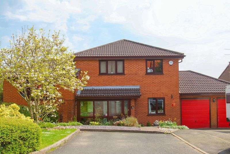 4 Bedrooms Property for sale in Batsford Close Wirehill, Redditch