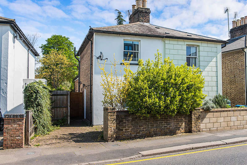 3 Bedrooms Semi Detached House for sale in Brighton Road, Surbiton, KT6