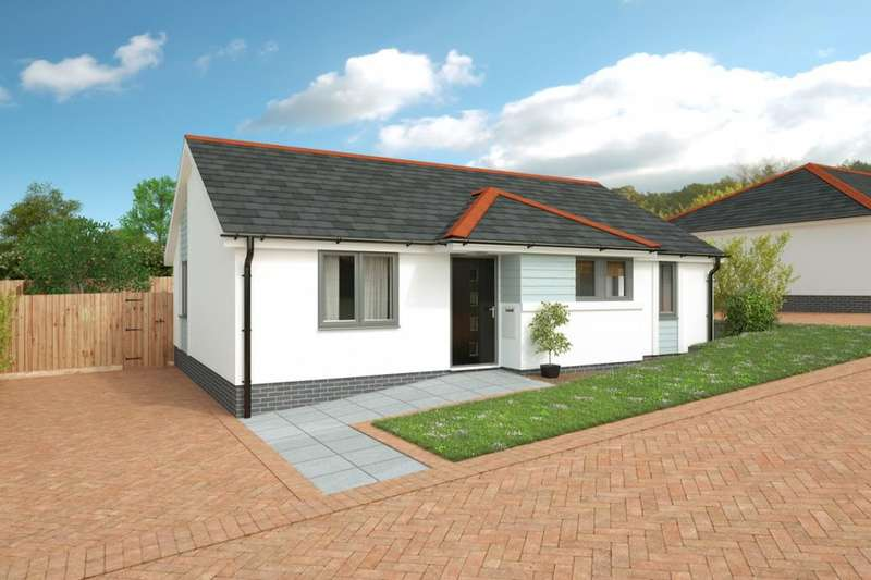 2 Bedrooms Detached Bungalow for sale in Tremeadow Rise, Trewoon, St. Austell, PL25