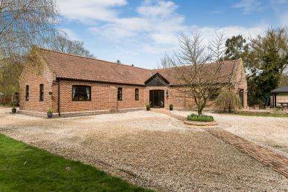 4 Bedrooms Equestrian Facility Character Property for sale in Bracon Ash, Norwich, Norfolk