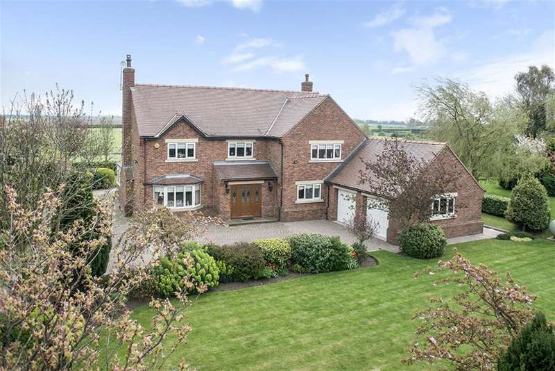 4 Bedrooms Detached House for sale in Brinkton Lodge Farm, Thorne Road, East Cowick, DN14 8SY