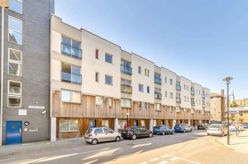 3 Bedrooms Flat for sale in Chambers Street, Bermondsey, SE16