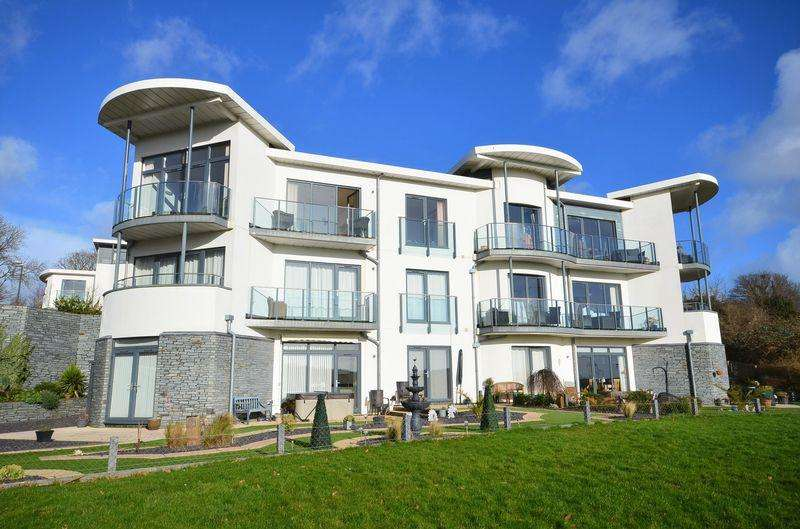 2 Bedrooms Apartment Flat for sale in BERRY HEAD HOUSE, BRIXHAM