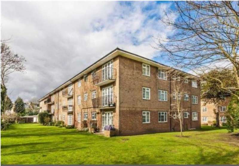 2 Bedrooms Flat for sale in Robin Hood Lane, Sutton