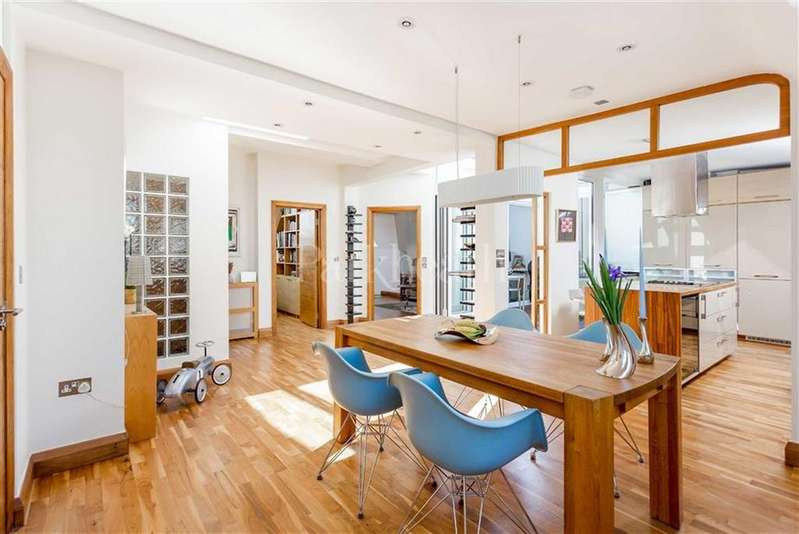 4 Bedrooms Flat for sale in Canfield Gardens, South Hampstead, London