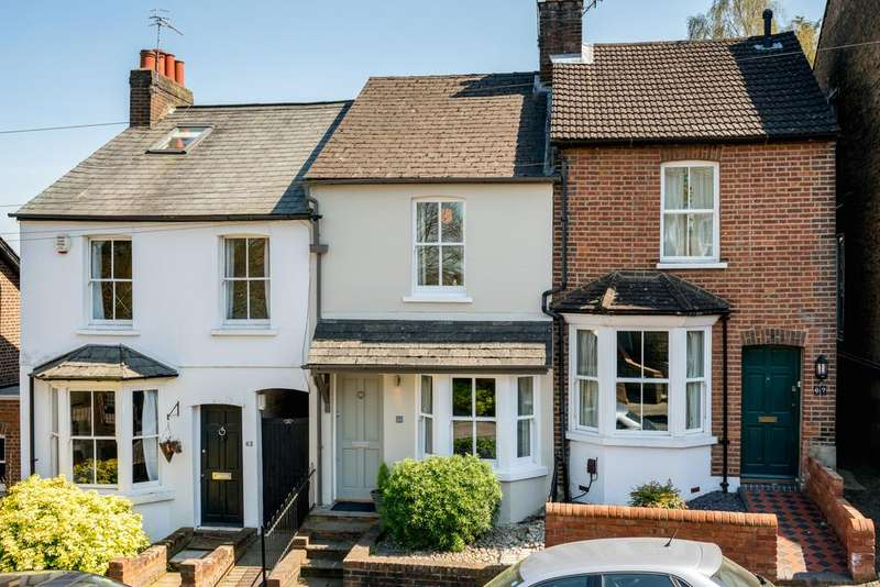 2 Bedrooms Terraced House for sale in Cross Oak Road, Berkhamsted HP4