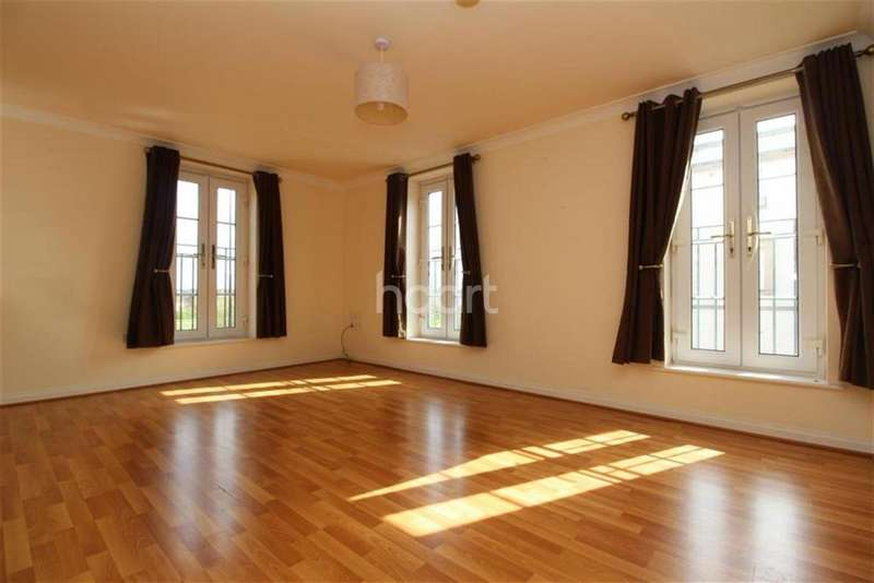 3 Bedrooms Flat for rent in Hallam Fields Road, Birstall