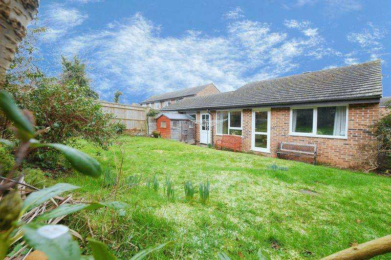 2 Bedrooms Link Detached House for sale in Hagbourne Close, Woodcote