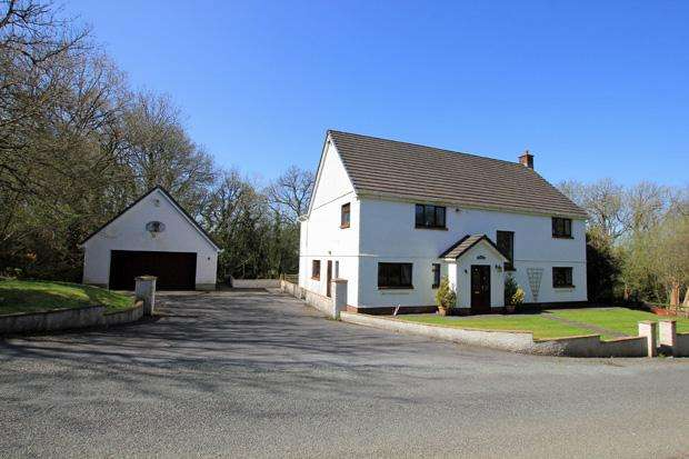 4 Bedrooms Detached House for sale in Pentrepoeth Road, Idole, Carmarthen, Carmarthenshire