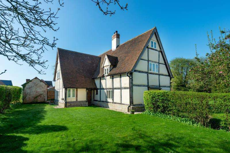 5 Bedrooms Detached House for sale in Tudor Cottage, Eynsham Road, Sutton, Witney, Oxfordshire