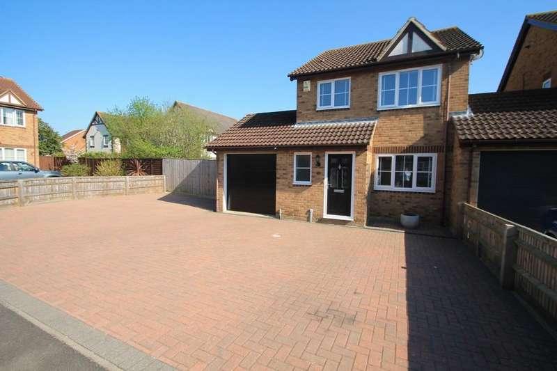 3 Bedrooms Detached House for sale in Bullfinch Gardens, Aylesbury