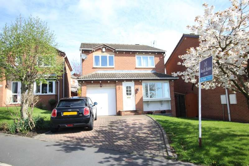 4 Bedrooms Detached House for sale in Heatherdale Drive, Tingley, Wakefield, WF3