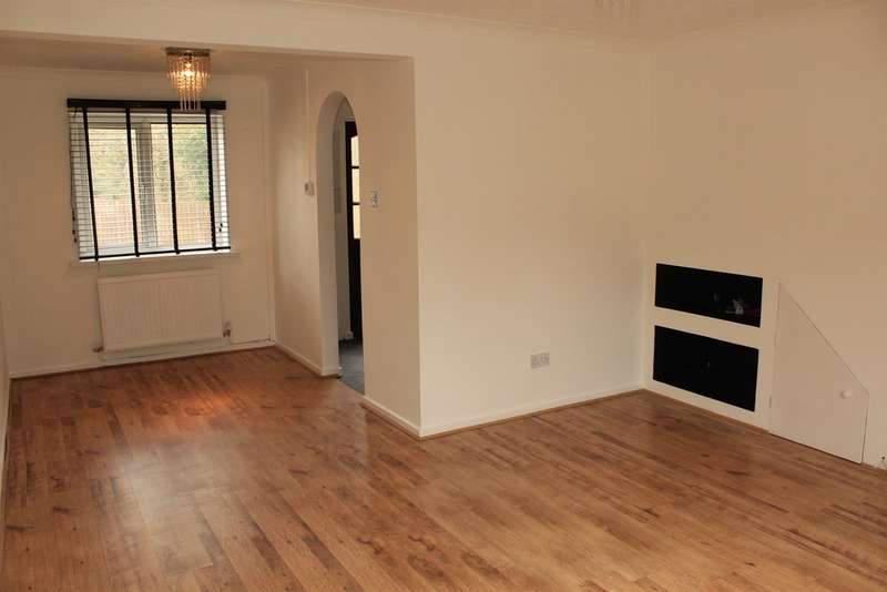 3 Bedrooms Semi Detached House for sale in Pinecrest Drive, Thornhill, Cardiff