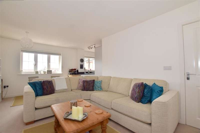 2 Bedrooms Apartment Flat for sale in Martindales, , Southwater, Horsham, West Sussex