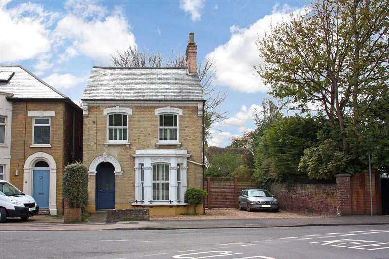 3 Bedrooms Detached House for sale in Cawley Road, Chichester, West Sussex