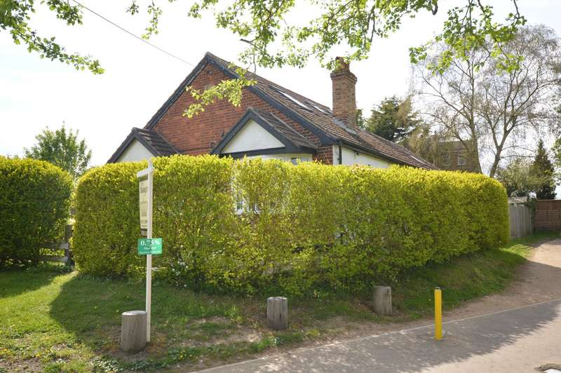 3 Bedrooms Detached Bungalow for sale in Mount Tor Skitts Hill, Braintree, CM7