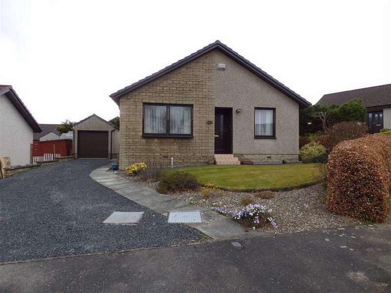 3 Bedrooms Bungalow for sale in Watts Gardens, Cupar, Fife