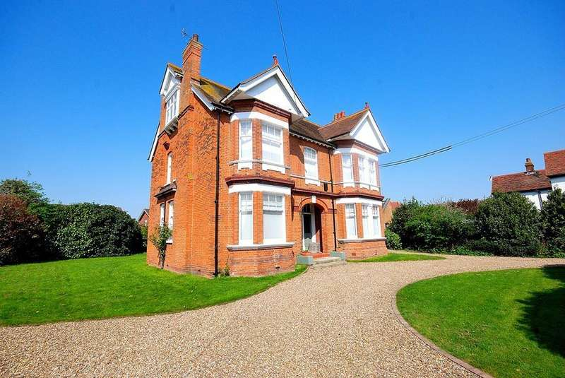 6 Bedrooms Detached House for sale in North Street, Southminster, CM0
