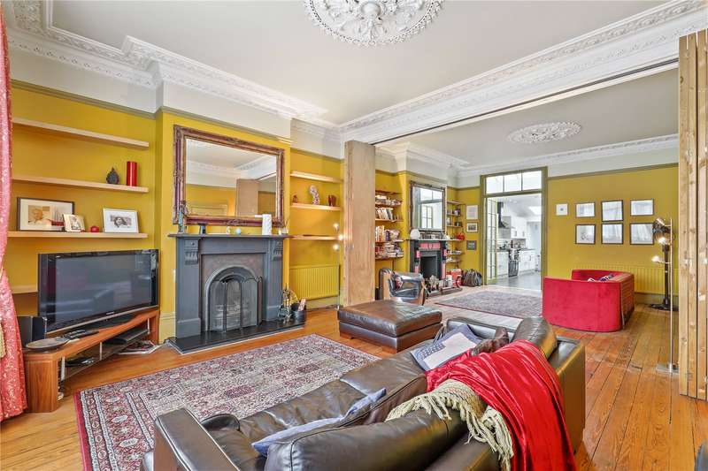 3 Bedrooms Flat for sale in Manbey Grove, London, E15