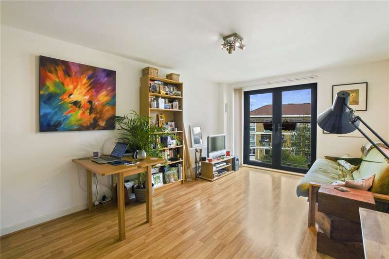 1 Bedroom Flat for sale in Park View Court, 215 Devons Road, London, E3