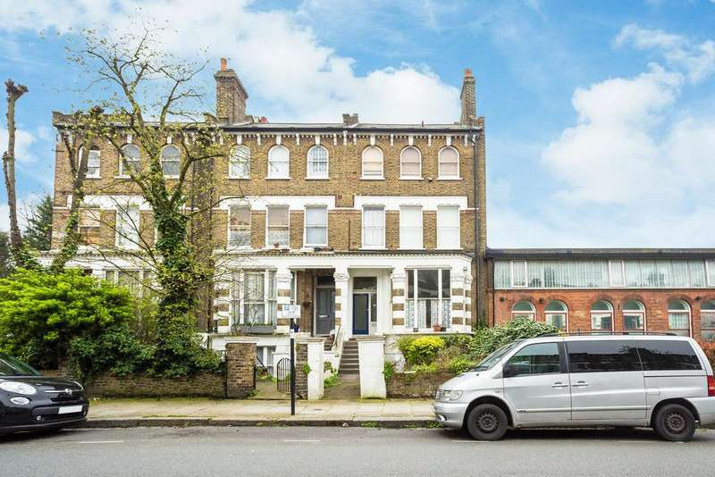 1 Bedroom Flat for sale in Caversham Road, Kentish Town, London, NW5