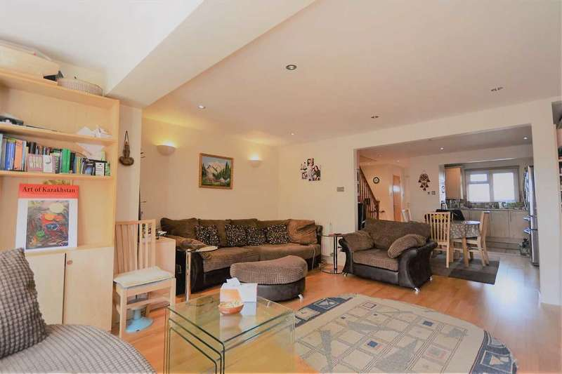 3 Bedrooms End Of Terrace House for sale in Staveley Gardens, Chiswick
