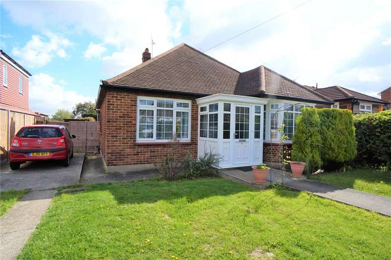 4 Bedrooms Detached Bungalow for sale in First Avenue, Northfleet, Gravesend, Kent, DA11