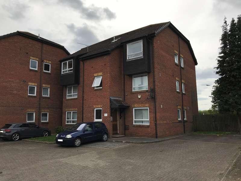 1 Bedroom Flat for sale in 36 Braemar Gardens, Slough, SL1