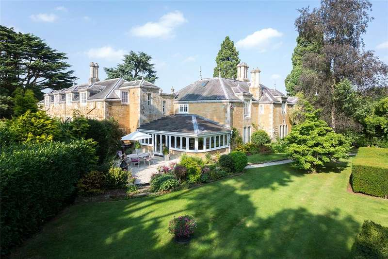 4 Bedrooms House for sale in Tower Court, Overstone Park, Overstone, Northamptonshire, NN6