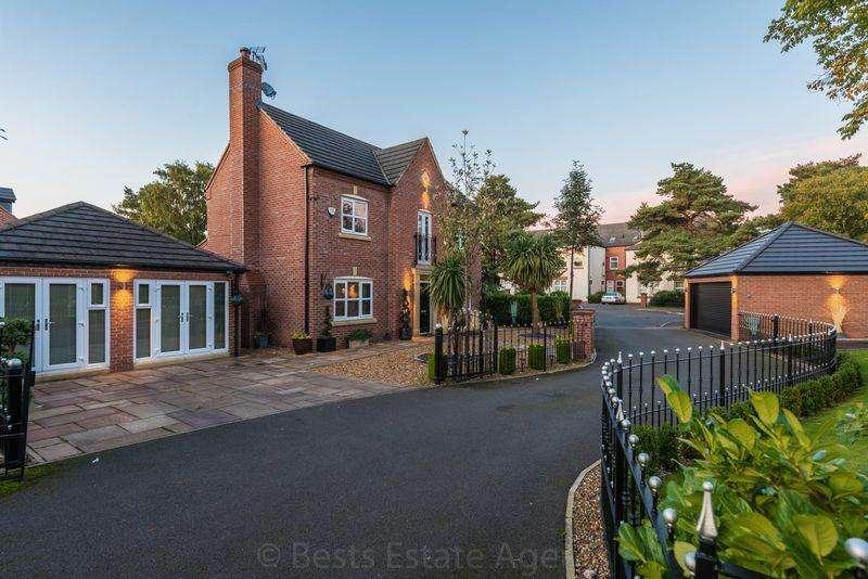 4 Bedrooms Detached House for sale in Campbell Close, Higher Runcorn