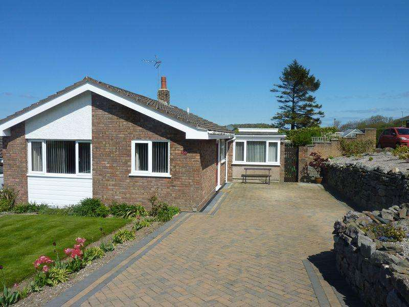 2 Bedrooms Bungalow for sale in Old Highway, Colwyn Bay