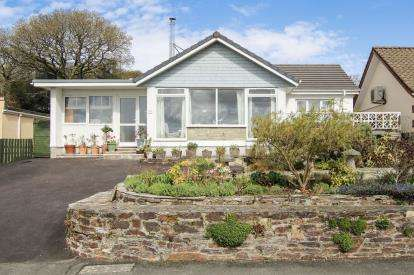 4 Bedrooms Bungalow for sale in Bodmin, Cornwall, .