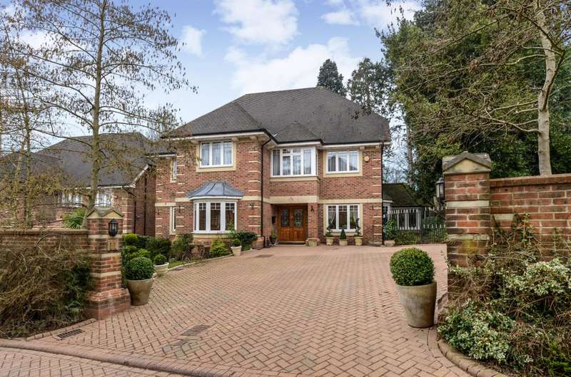 5 Bedrooms Detached House for sale in Saddlers Close, Arkley