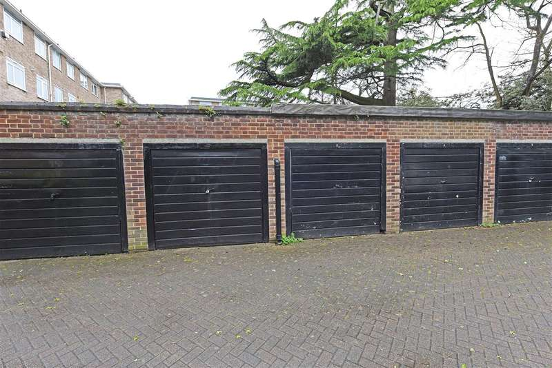 Garages Garage / Parking for sale in Inner Park Road, Southfields