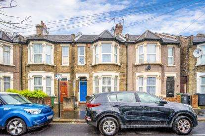 2 Bedrooms Terraced House for sale in Leyton, Waltham Forest, London