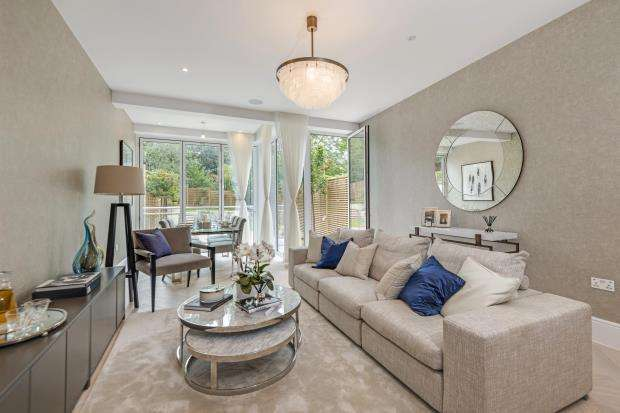 3 Bedrooms Maisonette Flat for sale in Langland Gardens, Hampstead, London, NW3