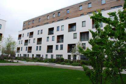 2 Bedrooms Flat for sale in Dara House, Colindale, London, Uk