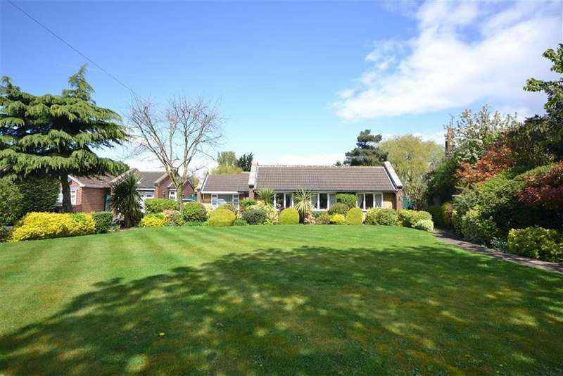 4 Bedrooms Detached Bungalow for sale in Manor Road, Lambourne End, Essex