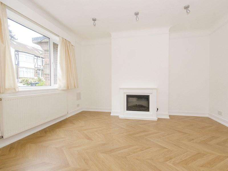 2 Bedrooms Maisonette Flat for sale in Abingdon Road, London