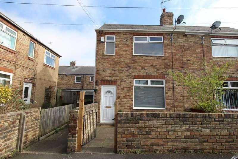 3 Bedrooms Semi Detached House for rent in Kings Drive, Greenside, Ryton, NE40