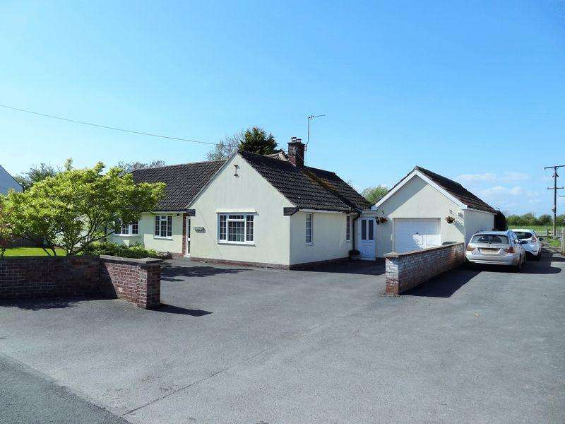 5 Bedrooms Detached Bungalow for sale in The Causeway, Mark