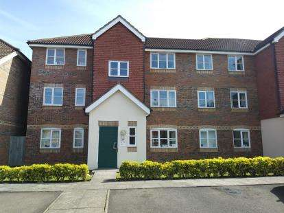 1 Bedroom Flat for sale in Whitehead Way, Aylesbury, Bucks, Aylesbury