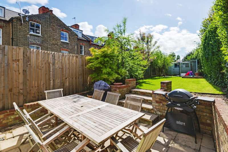 4 Bedrooms Flat for sale in Holmdale Road, West Hampstead