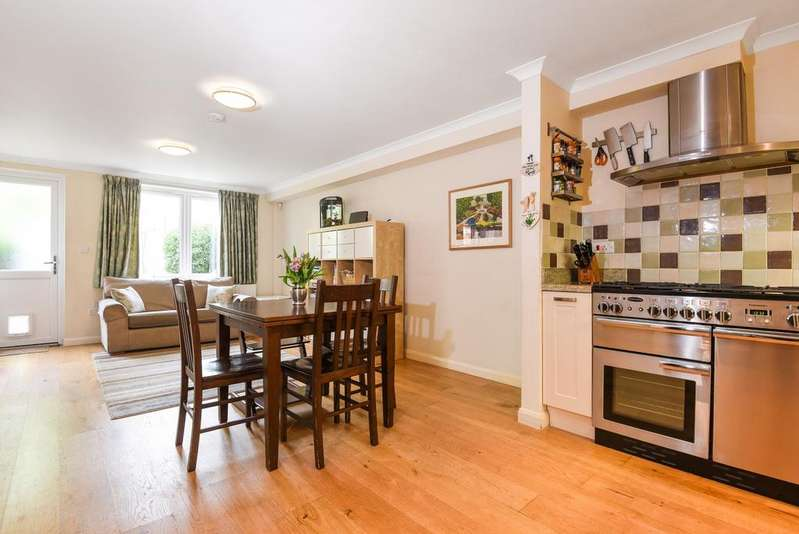 5 Bedrooms Terraced House for sale in Burgos Grove London SE10