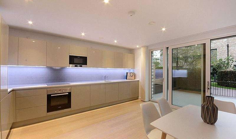 3 Bedrooms House for rent in Heygate Street, London, SE17