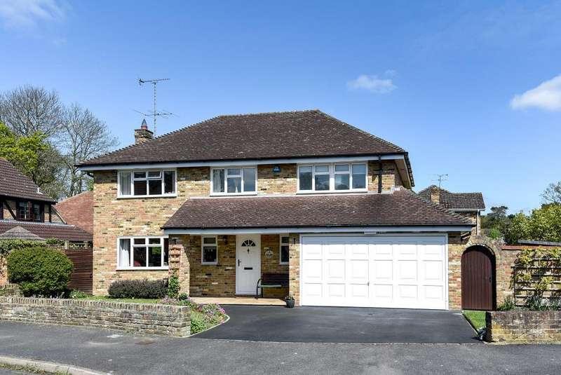 4 Bedrooms Detached House for sale in Wokingham, Berkshire, RG40