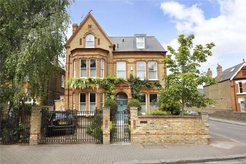 8 Bedrooms Detached House for sale in Thurleigh Road, Between The Commons, London, SW12