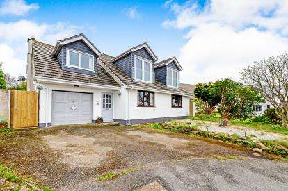 4 Bedrooms Bungalow for sale in Cubert, Newquay, Cornwall