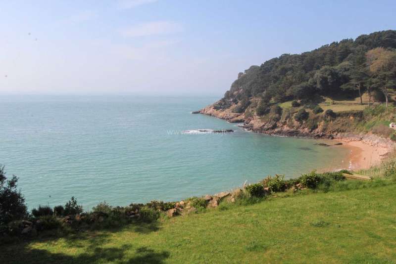 5 Bedrooms Detached House for sale in St Brelade - Owners` Sole Agent